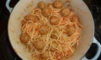 Spaghetti aux boulettes de viande a l'italienne
