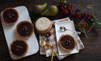 Tartelettes au chocolat et compotée de poires caramélisées