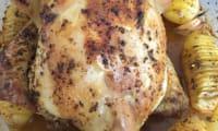 Le poulet fermier rôti au citron et à l'ail