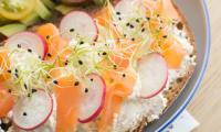 Tartines salées Avocat/tomates et Fontainebleau aux graines germées