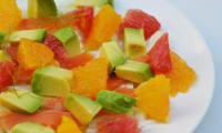 Salade de saumon fumé, fenouil, agrumes et avocat