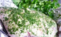 Agneau aux herbes rôti en papillote