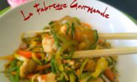 """Zoodle """"Lo Mein"""" au Poulet Spaghetti de Courgette Asiatique"""