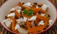 Salade de pois chiches aux légumes d'hiver et à la fêta