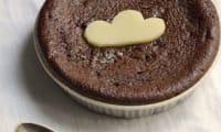 Gâteau de Mousse au Chocolat et Cœur de chocolat blanc