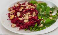 Salade de betterave crue aux noisettes