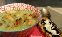 Velouté de brocolis aux épices italiennes et croutons de ciabatta