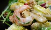 Salade de crevettes à l'avocat et à la grenade