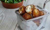 Billes de mozzarella panées
