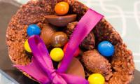 Oeufs au chocolat et aux céréales garnis