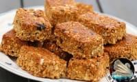 Barres de céréales aux graines, coco et cacahuètes