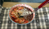 Smoothie bowl frozen banana ,fraises topping coco praliné