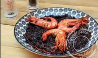 Riz noir aux calamars et gambas