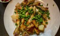 Assiette de légumes de printemps