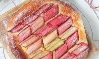 Tarte briochée crème d'amande et rhubarbe