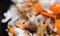 Salade de chou-fleur aux carottes et aux noix
