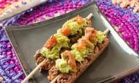 Brochettes de boeuf haché au guacamole