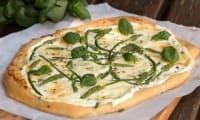 Pizza blanche aux ornithogales