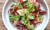 Curry de légumes, riz sauvage et poitrine grillée
