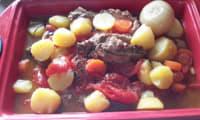 Gigot de sept heures et sa farandole de petits légumes