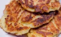 Pancakes salés à la pomme de terre et au cheddar