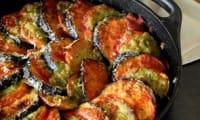 Gratin d'aubergine et de tomate au pesto