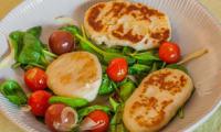 Gnochis à la ricotta, poelée de pousse d'épinards et de tomates cerises