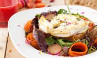 Salade de chèvre chaud, poires et cranberries