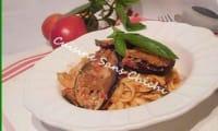 Pâtes siciliennes aux aubergines, tomates et ricotta