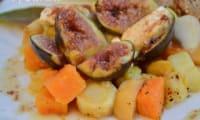 Figues rôties au miel et au chèvre sur poêlée de légumes d'automne