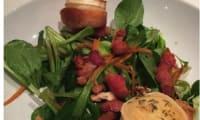 Salade mâche, lard, chèvre et sa sauce au miel