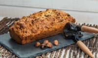 Cake à l'orange, noisettes et pépites de chocolat