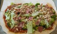 Calzone aux brocolis, noisettes et jambon