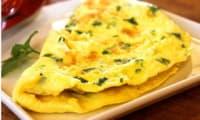 Omelette aux oignons cuisinée à la lyonnaise