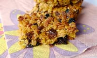 Barres de céréales aux raisins secs et au chocolat