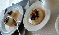 Iles flottantes craquantes à la crème anglaise rose