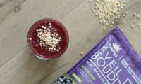 Smoothie superfood aux fruits rouges