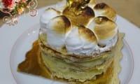 Gâteau de crêpes meringué au lemon curd maison, pipette de Limoncello