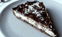 Tarte chocolatée à la mousse coco
