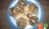 Ravioles de Saint-Jacques aux poireaux, velouté onctueux de corail