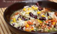 Soupe de risotto aux champignons, maïs et haricots rouges