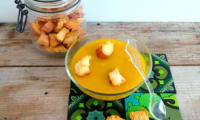 Soupe veloutée carottes, courgettes et ses petits croûtons