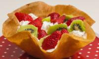 Corolle de fraises et kiwis à la chantilly
