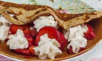 Crêpes aux fraises et à la chantilly