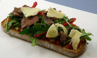 Tartine boeuf tomme roquette