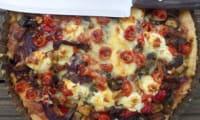 Quiche aux légumes grillés à la harissa et au fromage de chèvre