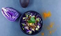 Salade « chou-chou » et avocat sauce au curry