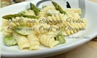 Fusilli aux asperges vertes, crème aux œufs et pecorino