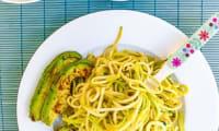 Spaghetti de courgettes à l'avocat poêlé