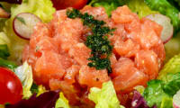Tartare de Saumon, Salade Mixte